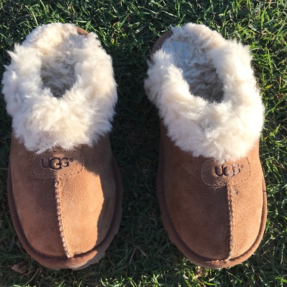 8b77d91bd74 UGG 🔴 Coquette Slipper In Chestnut